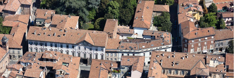 Via Roma e Palazzo Costa